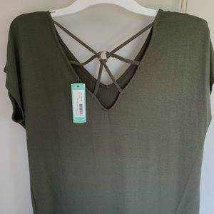 NWT olive green Papermoon flowy t shirt size small